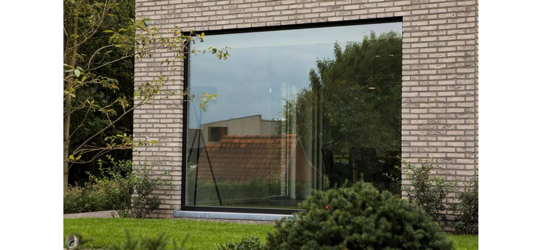 Zwarte moderne ramen